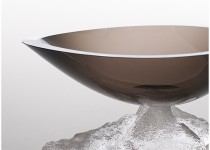 Lašas II su pjedestalu stiklo gaminiai